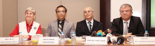 Prof. Dr. Canan Karatay: Damarları tıkayan kolesterol değildir!