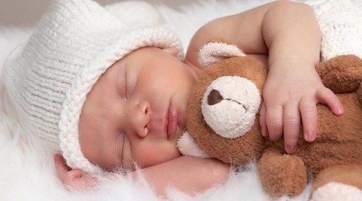 bebek-dogru-uyku-pozisyonu