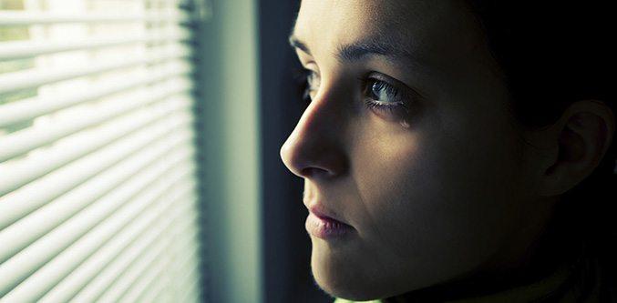 kadin-depresyon-huzun-mutsuz-aglama-gozyasi