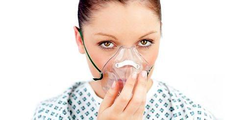 oksijen-maske-solunum-nefes-kadin-astim