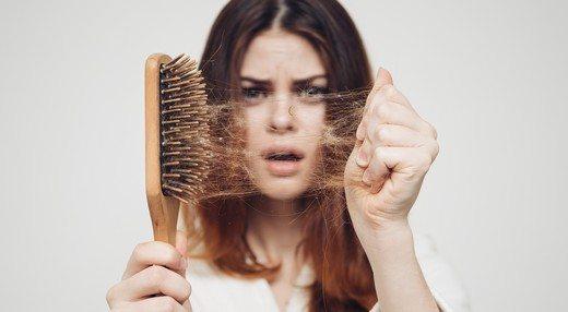 Kadın Tipi Saç Dökülmesi Durdurulabilir